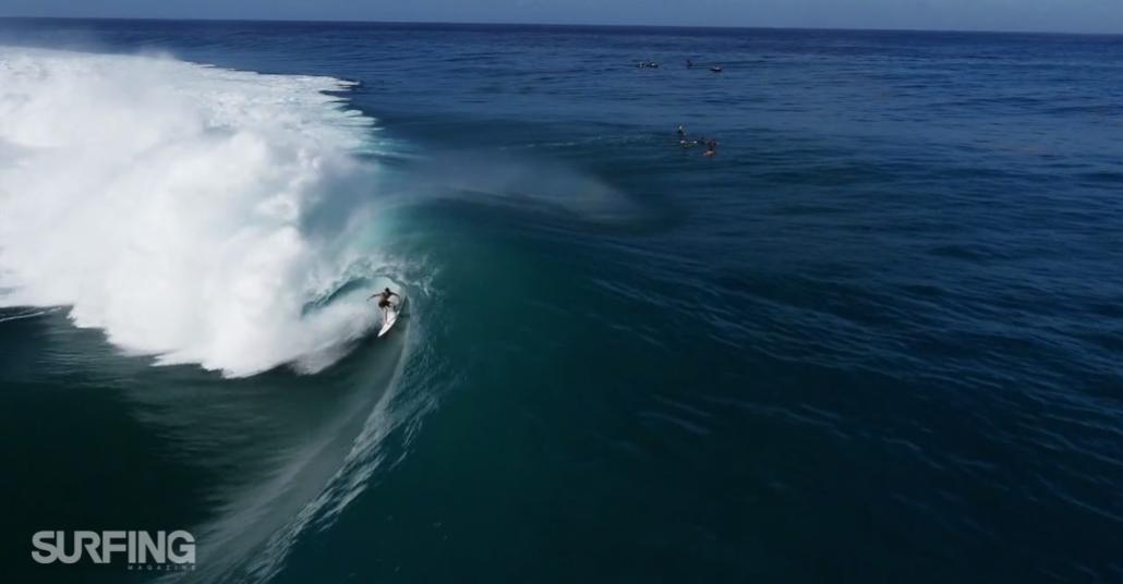 Drone Gözüyle Tahiti'nin Dev Dalgalarında Sörf Yapmak