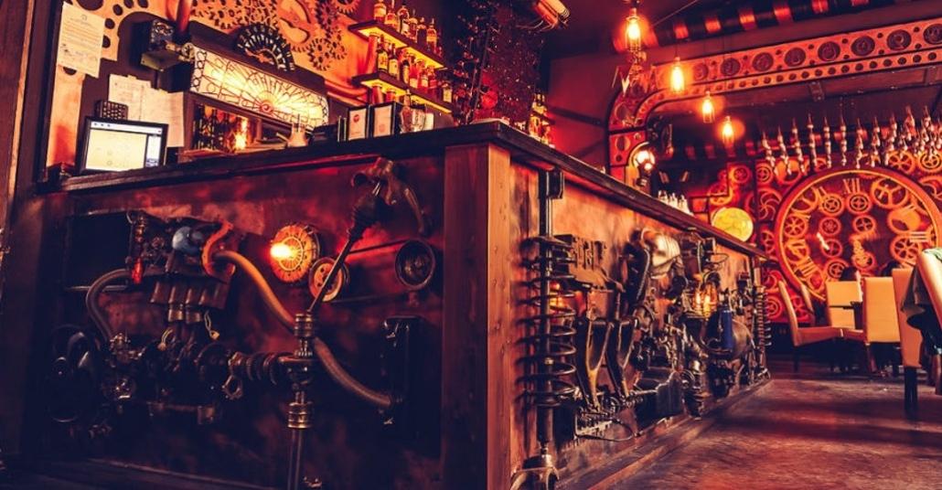 Kinetik Heykelleriyle Baştan Sona Steampunk Temalı Bar