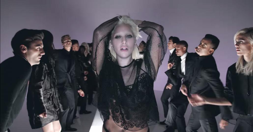 Tom Ford'un Yeni Koleksiyonu Podyum Yerine Lady Gaga Videosunda