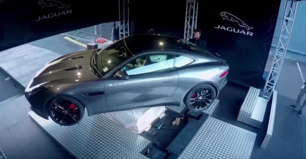 Jaguar'dan Sanal Görünümlü Sahici Gerçeklik