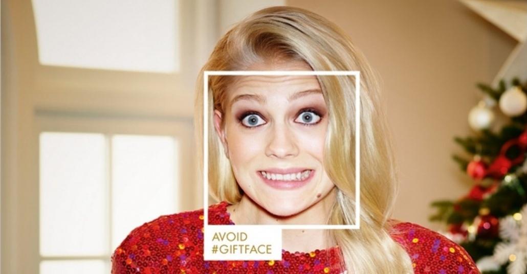 Harvey Nichols'dan Yılbaşı Hediyelerindeki Zorlama Yüz İfadelerine Karşı Kampanya: #GiftFace