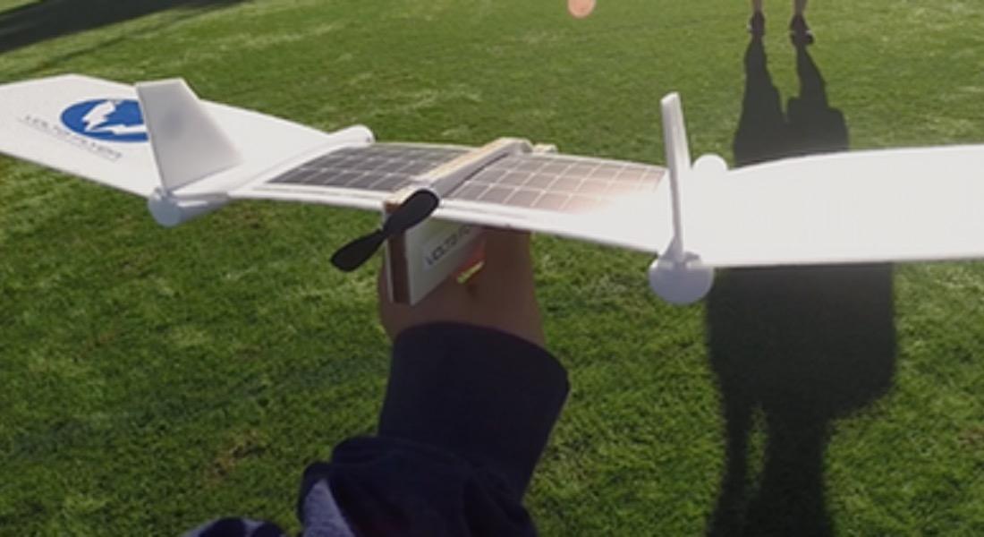Çocuklar İçin Güneş Enerjili Maket Uçak Kiti