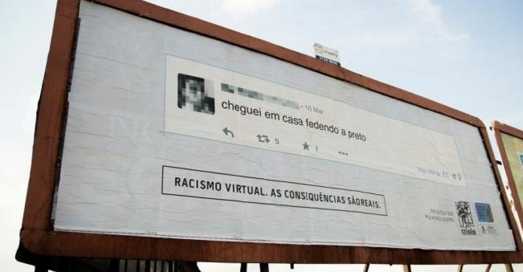 Brezilya'daki Her Irkçı Tweet, Sahibinin Kapısının Önüne Açıkhava Panosu Olarak Dönüyor