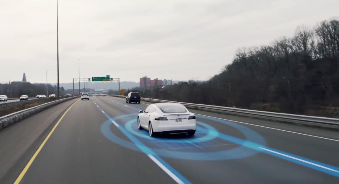 Tesla Otonom Sürüş Deneyimini Reklamlarına Taşıyor