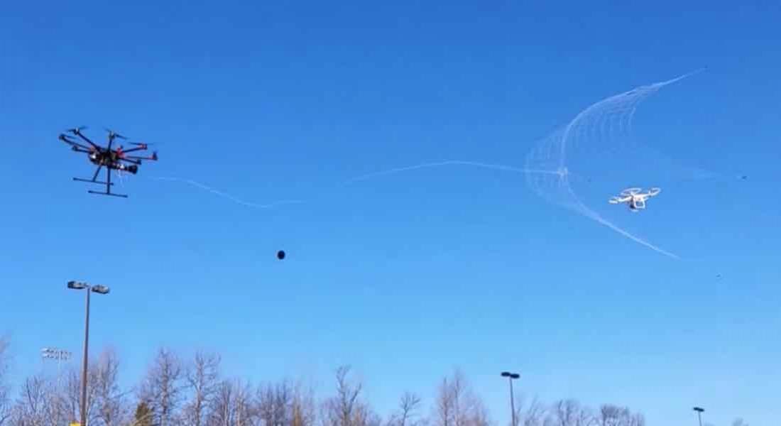 Drone'ları Ağına Düşüren Drone