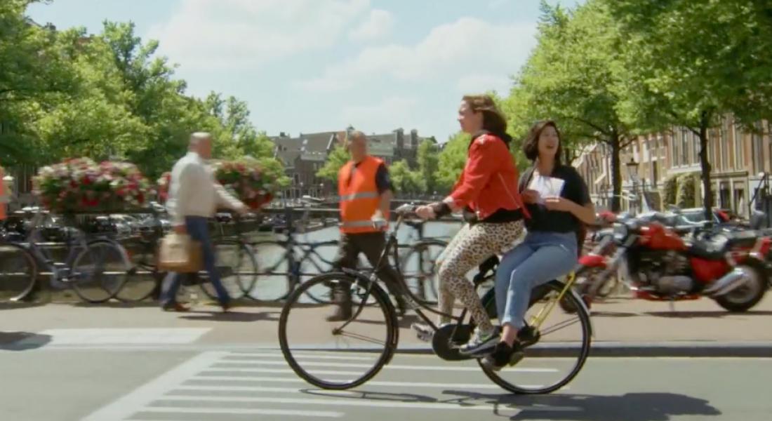 Amsterdam Usulü Otostop: Yellow Backie