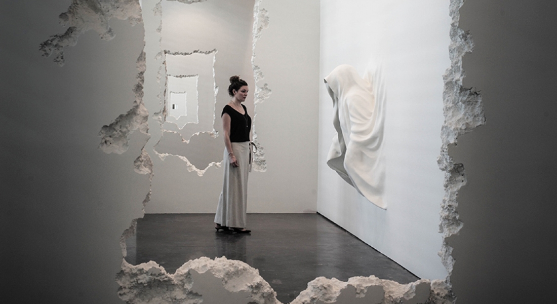 Duvarları Yıkıp Geçen Sanat