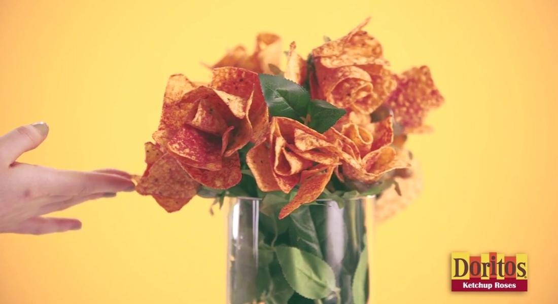 Sevgililer Günü'ne Leziz Hediye: Doritos'larla Gül Buketi