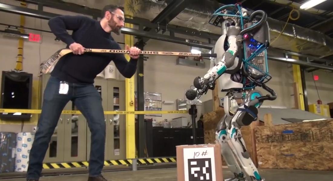Boston Dynamics'in Atlas'ı İtip Kakmasına Neden Tepki Gösteriyoruz?