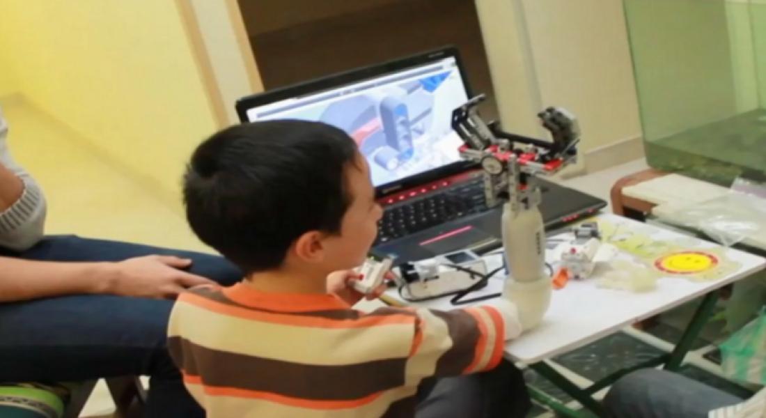 Ampute Çocuklar İçin LEGO Eklentili Protezler