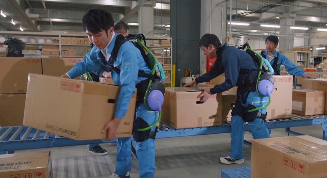 Panasonic'in Dış İskelet Kullanılan Biyonik Fabrikasına İlk Bakış
