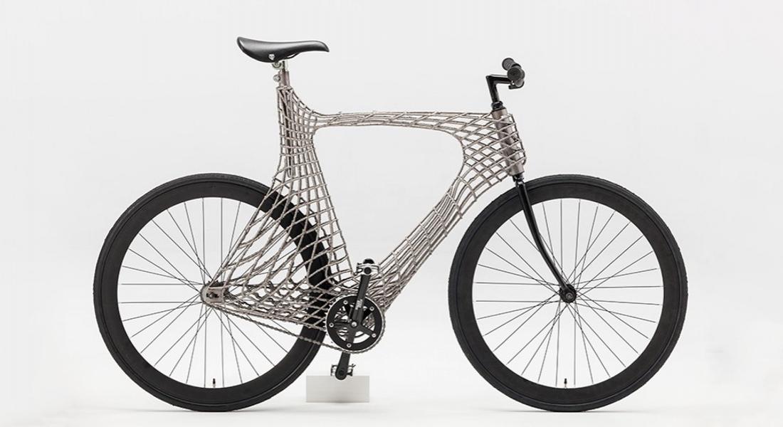 Üniversite Öğrencilerinin 3B Baskıyla Hazırladığı Paslanmaz Çelikten Bisiklet