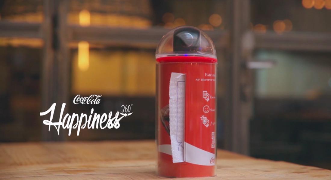 Coca-Cola'dan 360 Derece Çekim Yapan Peçetelik