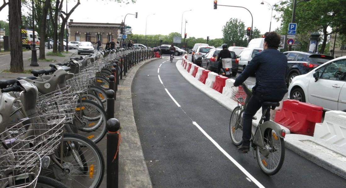 Paris İlk Bisiklet Otobanına Kavuştu