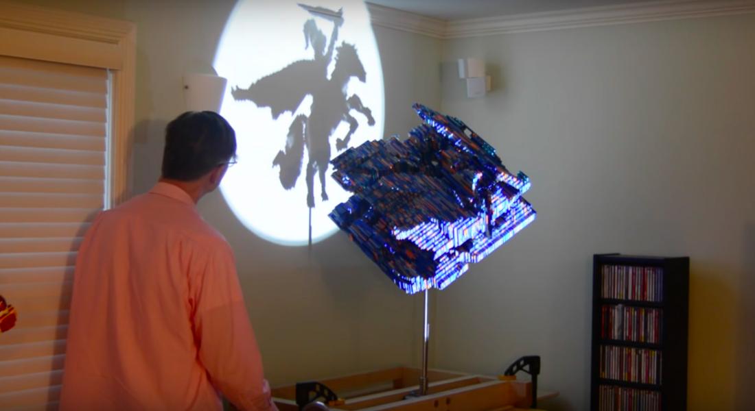 Bu LEGO Heykellerin Gölgeleri Her Açıdan Farklı Resimlere Dönüşüyor