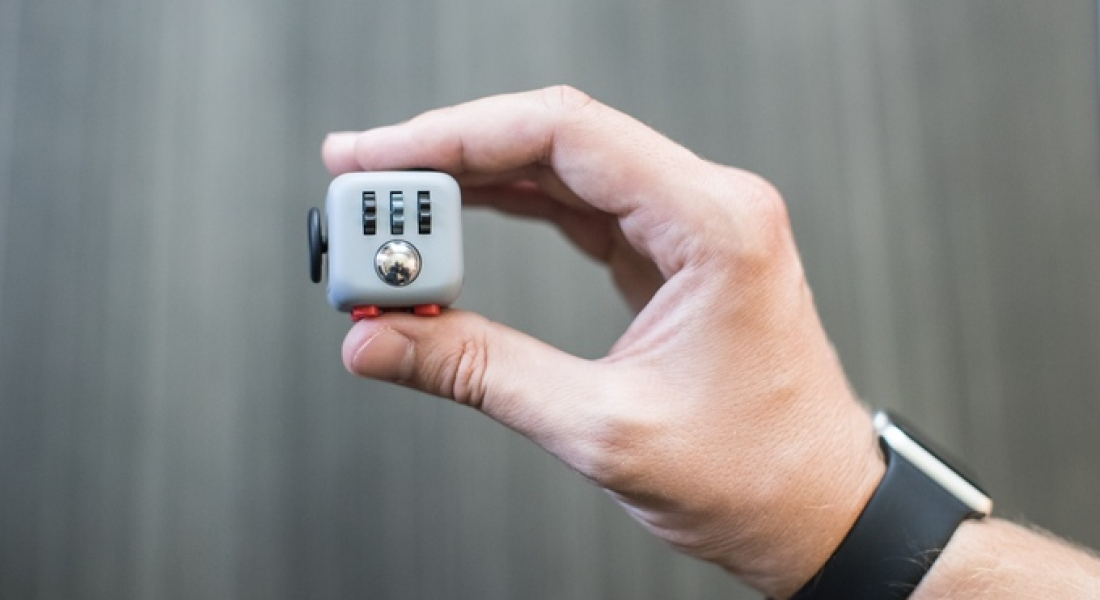 Parmaklarını Meşgul Tutmayı Sevenler İçin: Fidget Cube