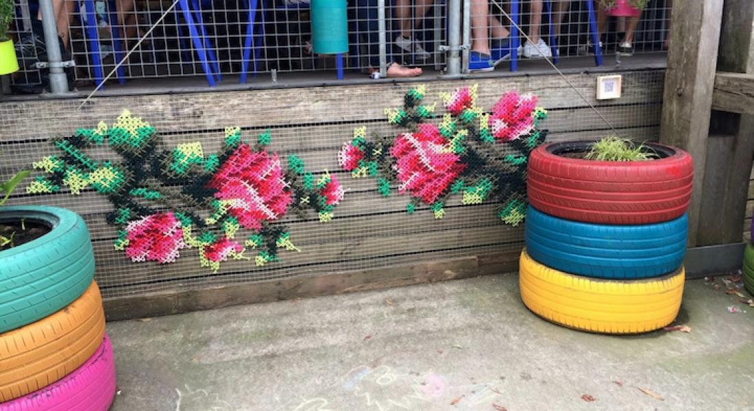 Madrid Sokaklarında Açan Kanaviçe Çiçekler