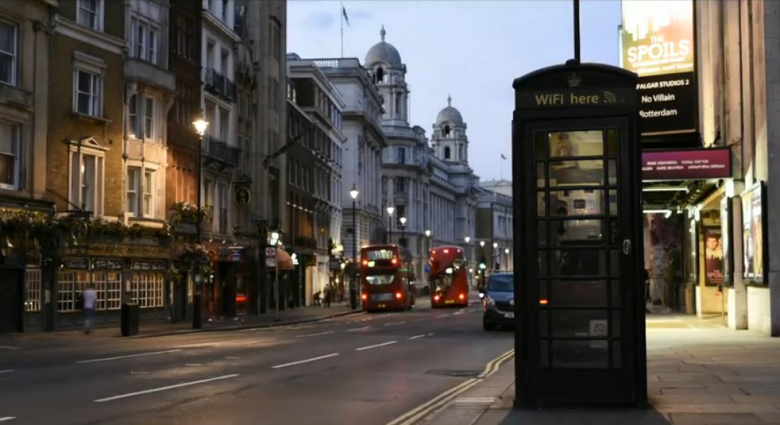 Clear Channel, Londra'daki Telefon Kulübelerini Yenileyip Her Biri İçin Ağaç Dikecek