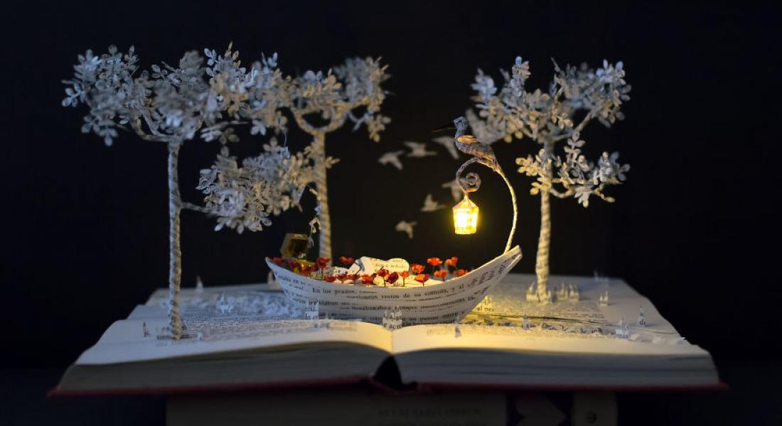 İleri Dönüşüm ile Masalsı Heykelciklere Dönüşen Kitaplar