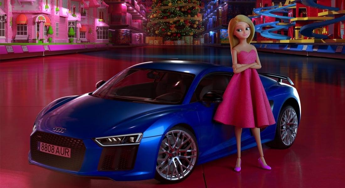 Mavi Audi'yi Pembe At Arabasına Tercih Eden Bebek