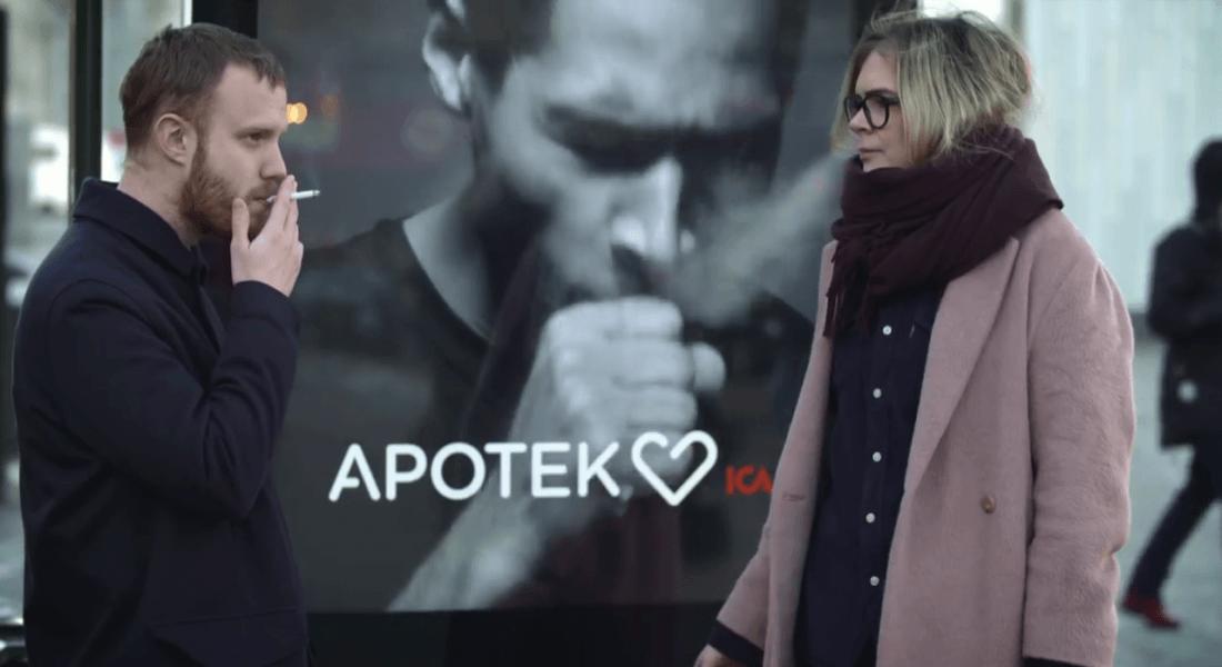 Yanında Sigara İçilince Öksüren Reklam Panosu