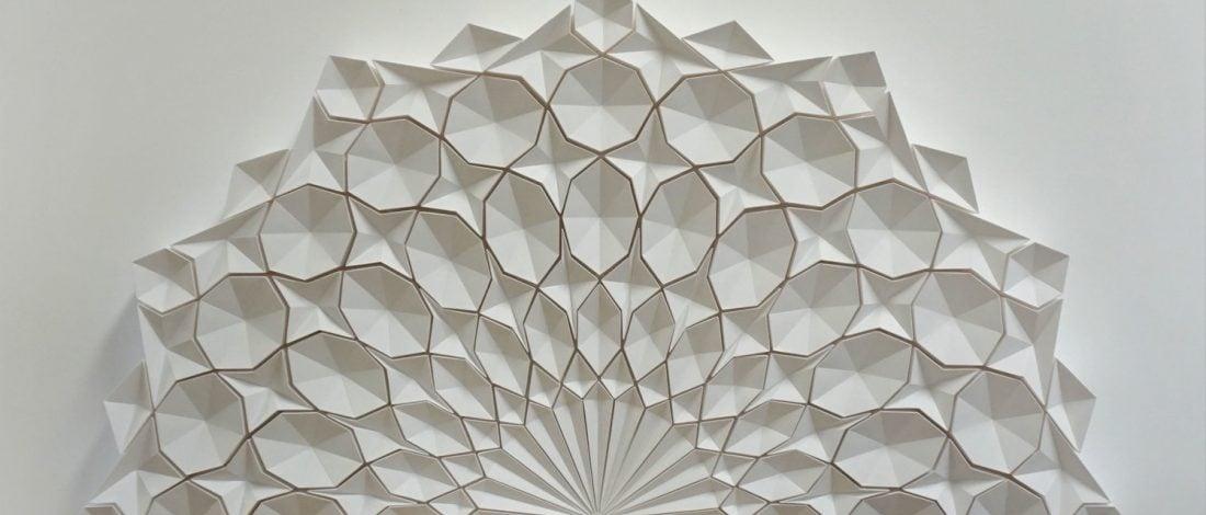 Hipnotize Eden Kağıt Heykeller