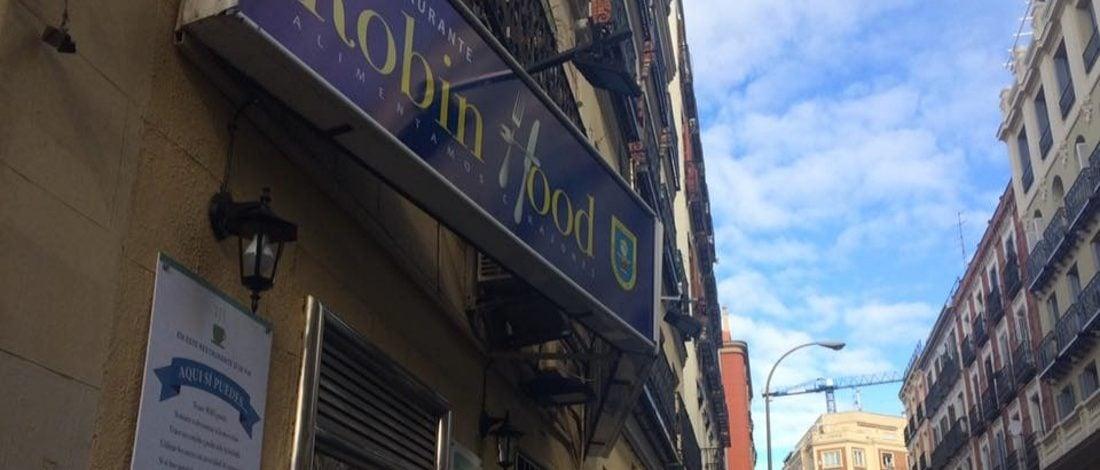 Zenginden Alıp Yoksulu Doyuran Robin Hood Restaurant