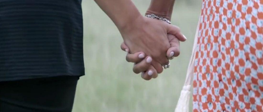 Sevdiceğinizin Elini Sımsıkı Tutun