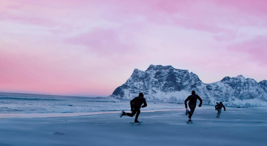 Donmuş Kum Üzerinde Kaykay