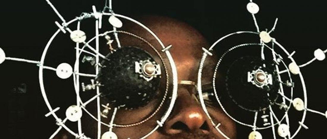 Hurdadan Yapılmış Heykel Gözlükler