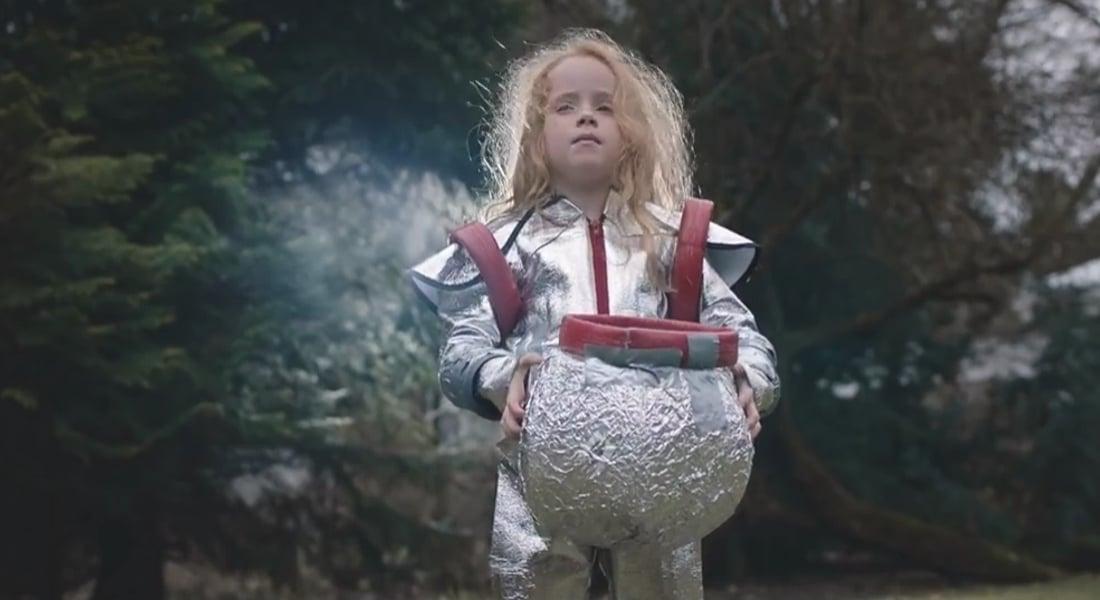 Balo için Hiçbir Kostümü Beğenmeyen Küçük Kızın Sırrı