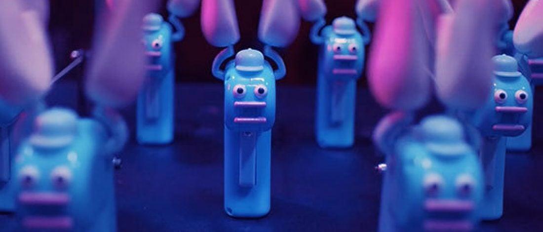 Gorillaz'ın Güneş Enerjili 1.000 Oyuncakla Yaratılan Epik Filmi