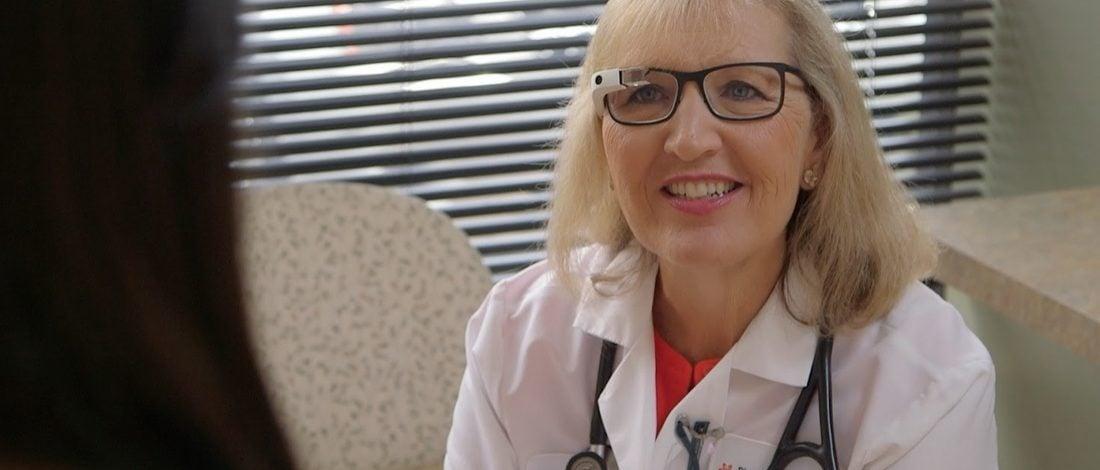Google Glass Yenilenen Yüzüyle Geri Döndü