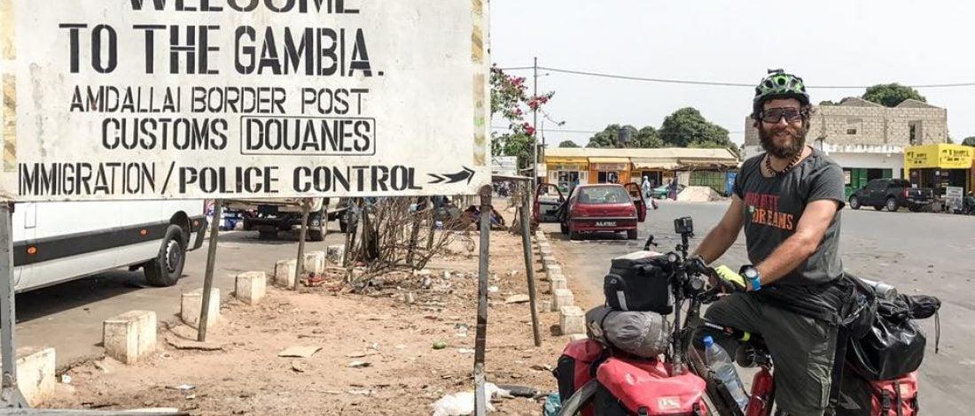 Hasan Söylemez Bisikletiyle Afrika'yı Baştan Sona Gezerek Kıtanın Hayallerini Topluyor