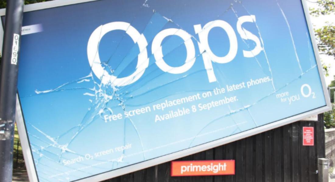 Kırık Telefon Ekranını Anlatan Reklam Panosu Kırıldıysa…