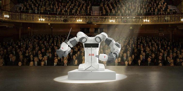 Tenor Andrea Bocelli, Orkestra Şefi Robot YuMi
