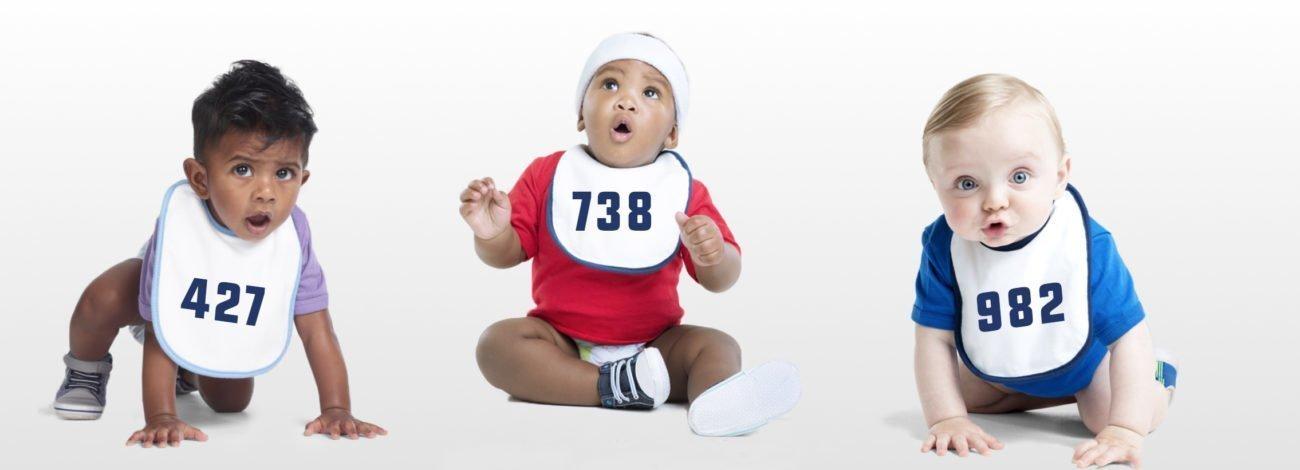 Babalardan önce bebekler Ferrari'de 26