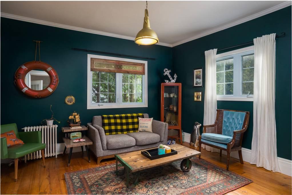 Wes Anderson'ın Dünyasını Airbnb İle Deneyimleyin