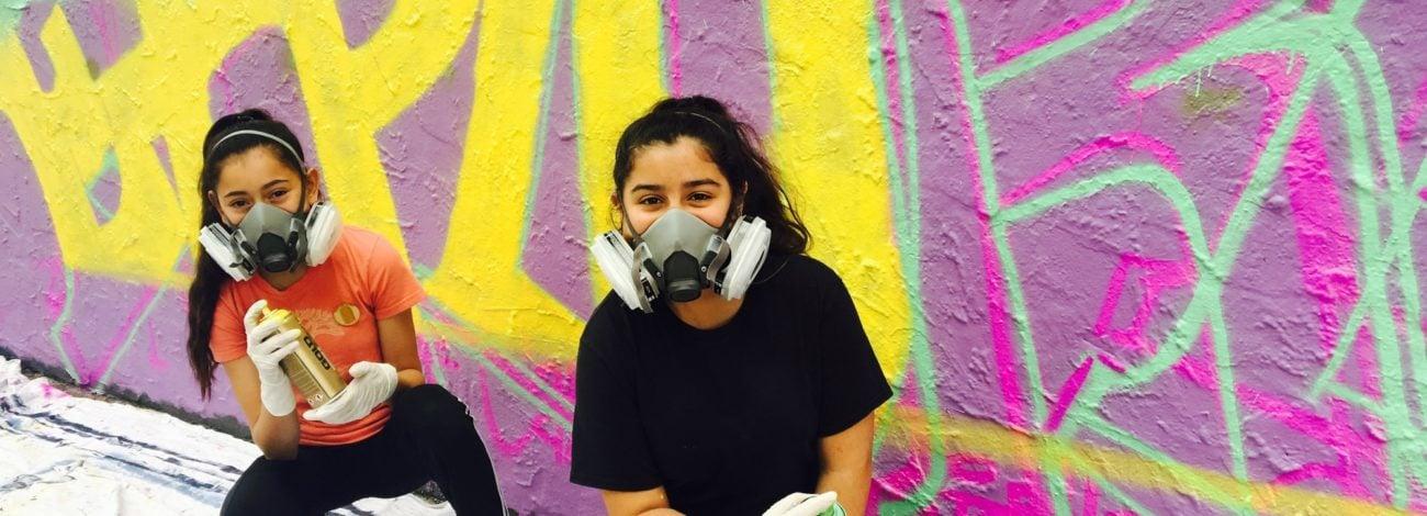 Sokakları Boyamaktan Korkmayan Kızların Kampı
