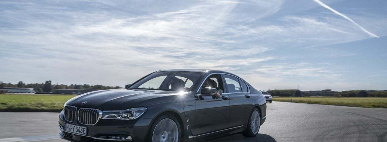 BMW'nin Elektrikli Geleceğine Doğru Bir Deneme Sürüşü