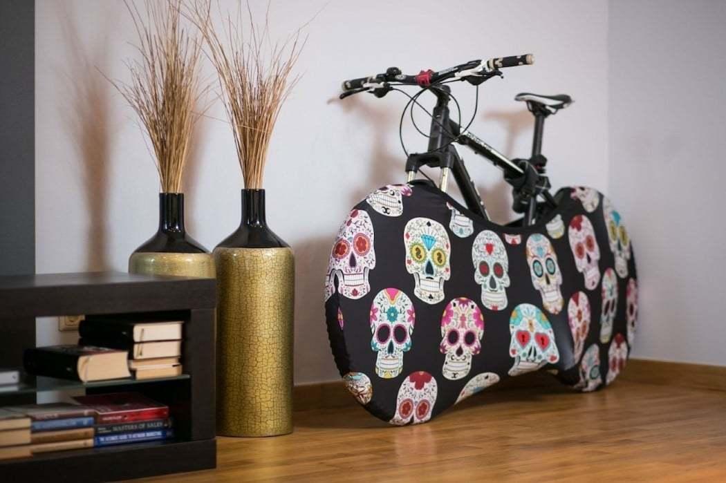 Bisikletinizi Dekoratif Kılıfıyla Evinizde Saklayın