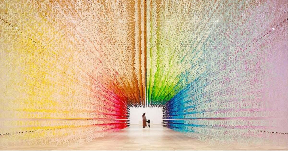 120.000 Kağıt Rakamla Gökkuşağı Renklerinde Zaman Tüneli