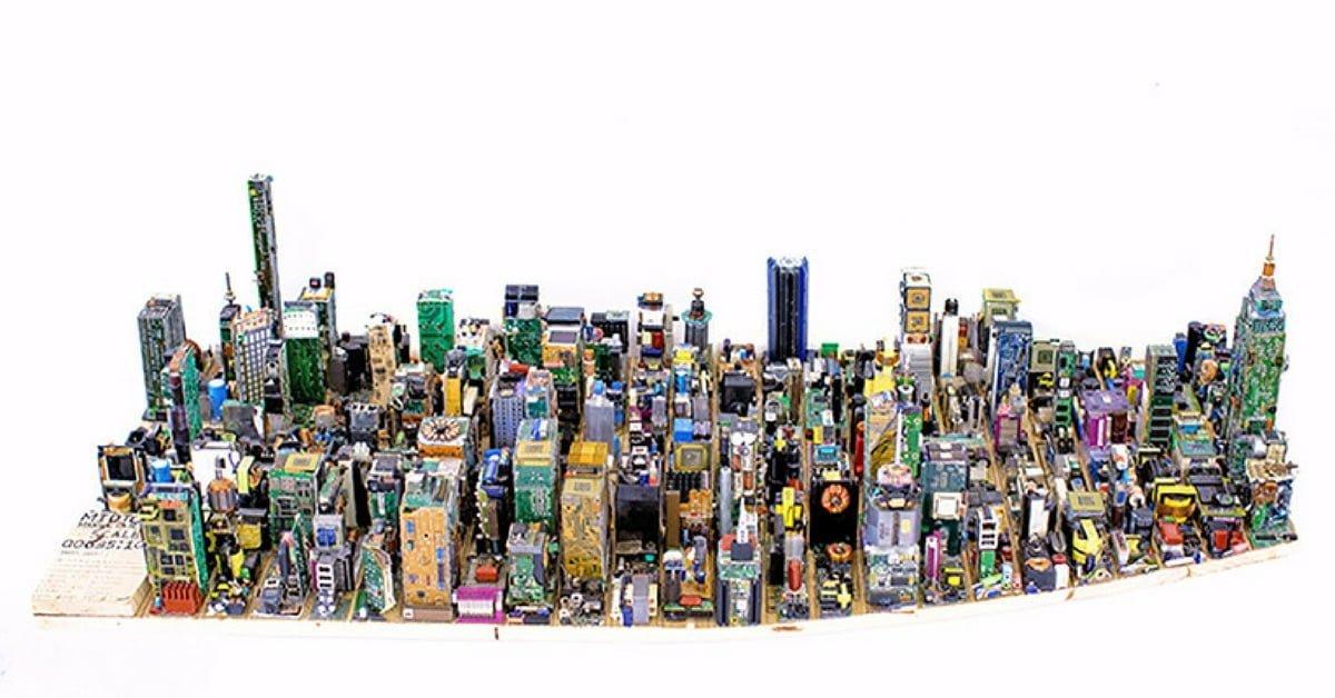 Elektronik Hurdalarla Manhattan'ı Yeniden İnşa Etmek