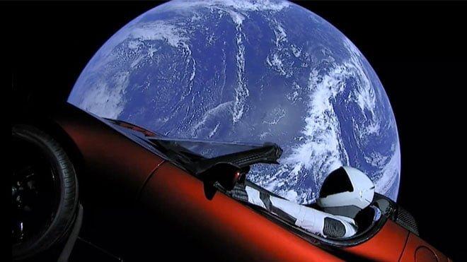 SpaceX Şu Ana Kadarki En Güçlü Roketi Falcon Heavy'yi Başarıyla Fırlattı