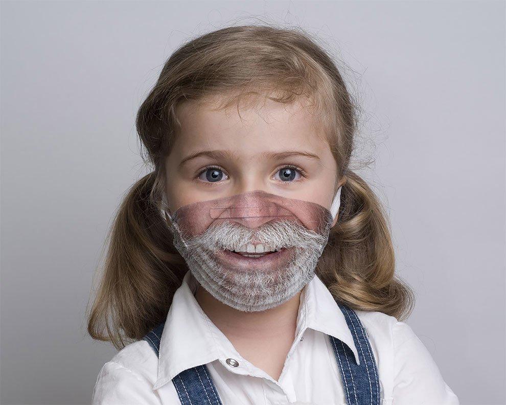 Çocuklar İçin Hastane Ortamını Neşelendiren Maskeler