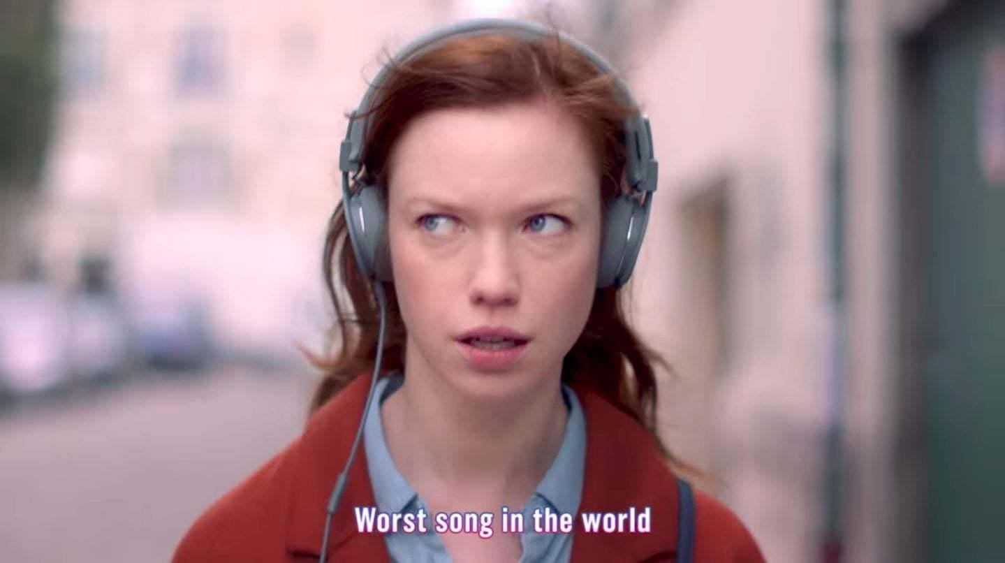 Dünyanın En Kötü Şarkısının Güzel Reklamı