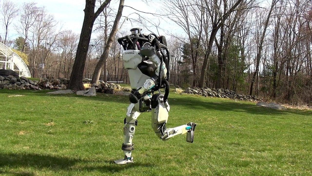 Boston Dynamics Robotları Açık Havada Koşmayı Öğreniyor