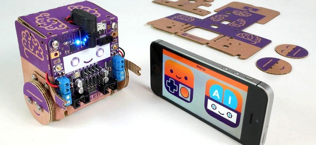 Kartondan Bir Yapay Zekalı Robot: Smartibot