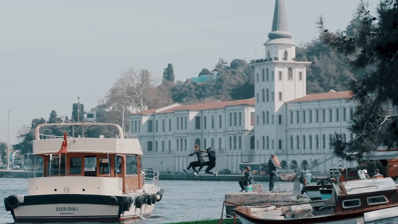 İstanbul'un Silüetinde Koşanlar: Storror