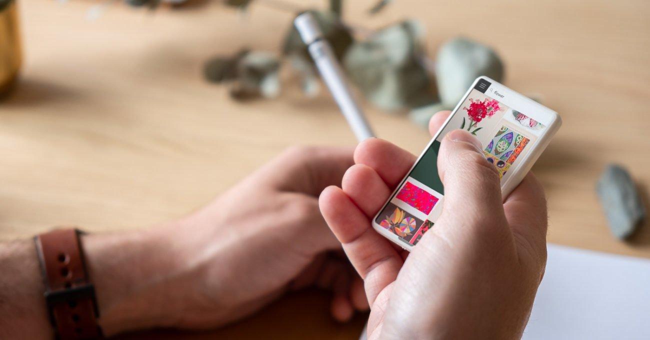 Miniminicik Bir Akıllı Telefon: Minima